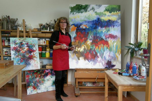 Picture of Mary Chaplin in her studio in Wailly France